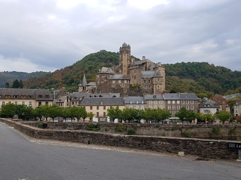 enterance to Estaing
