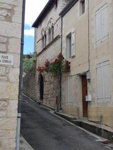 Montuq street